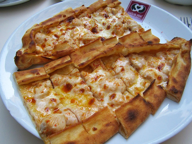 how to make Turkish Pide with Minced Meat