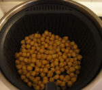 put the chickpeas in the thermomix